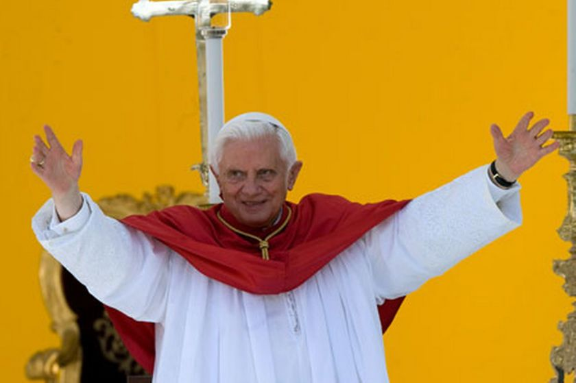 pope-benedict-article-796015534